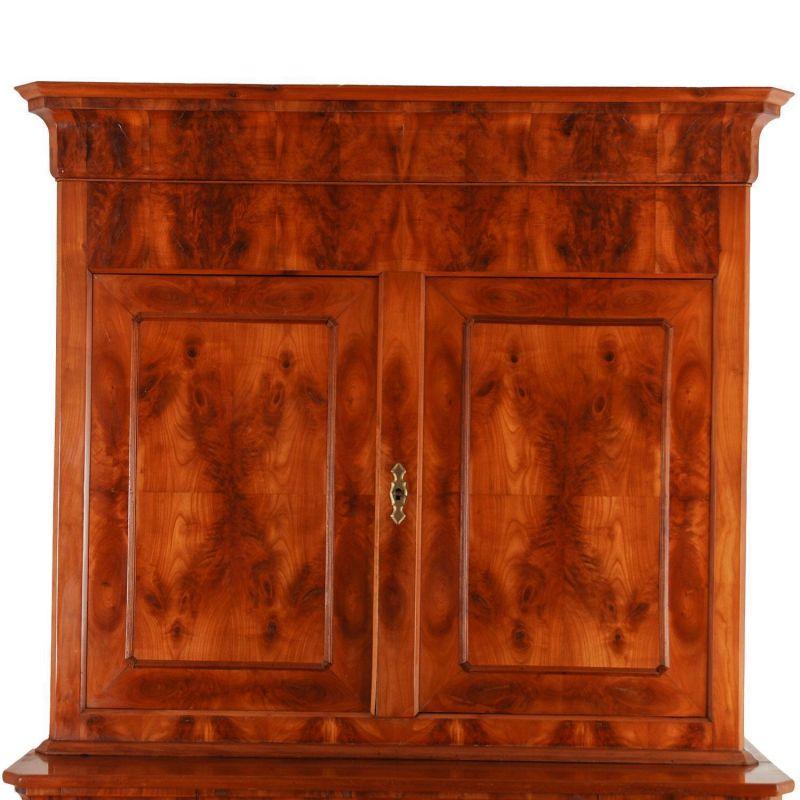 biedermeier anrichte in kirschbaum. Black Bedroom Furniture Sets. Home Design Ideas