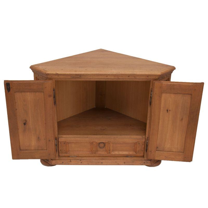 tv eckschrank buche ecktv eckschrank eckvitrine with tv. Black Bedroom Furniture Sets. Home Design Ideas